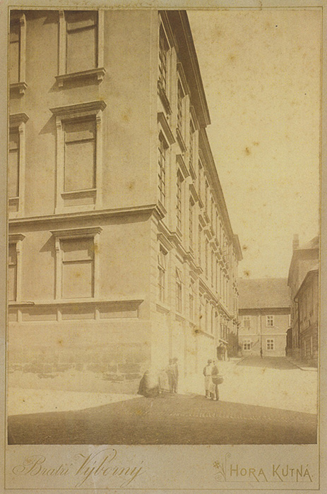 Jednalo se o početnici, jejíž první vydání se datuje do r Po roce 1918 se.
